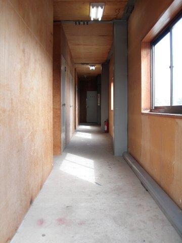 エヌピートランクタマキⅠ(2階通路)