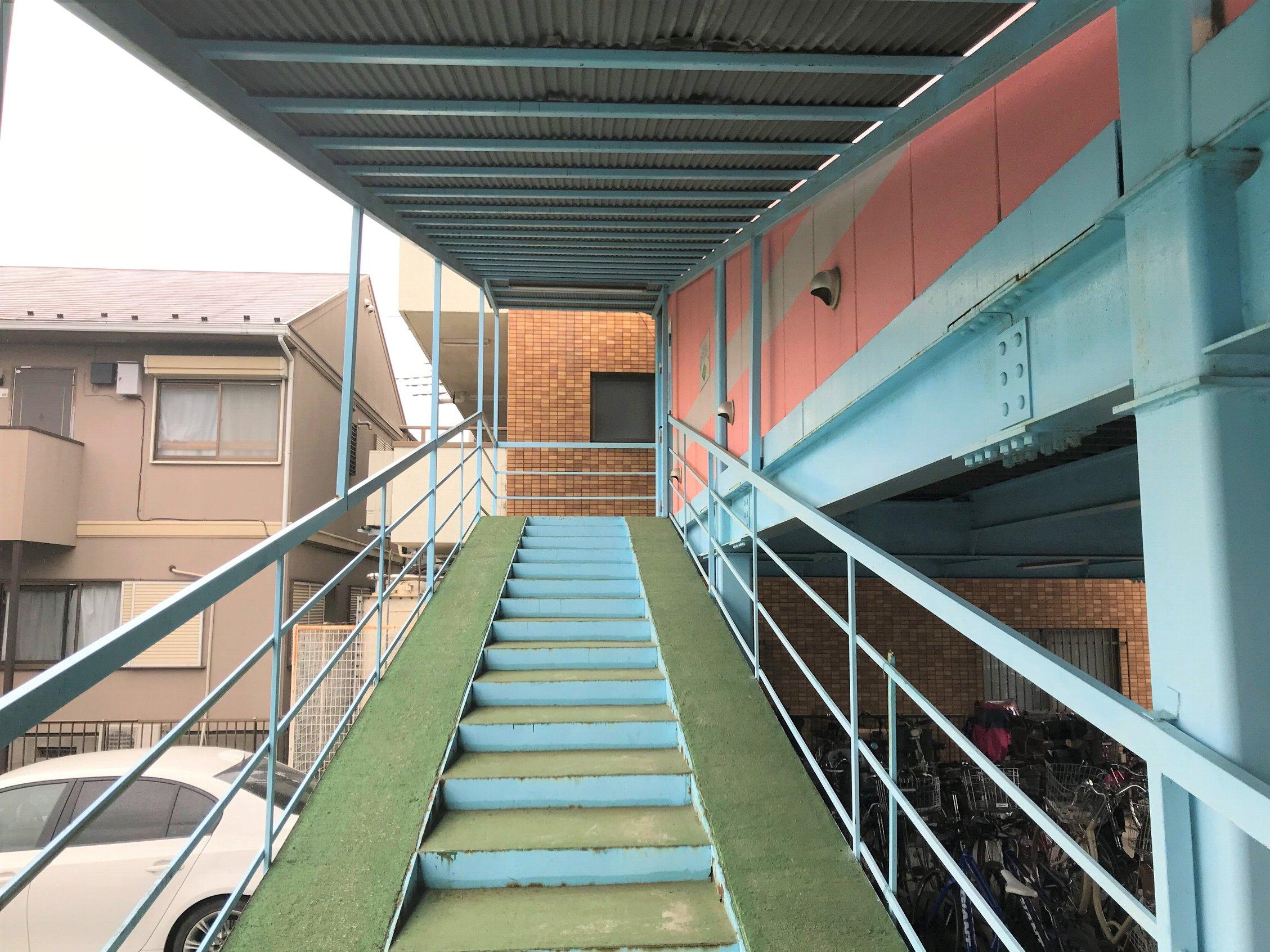 エヌピートランク東所沢(入口までの道)