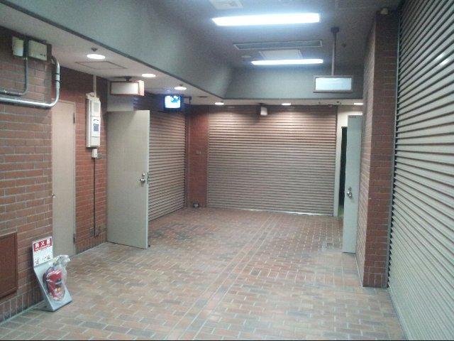 エヌピートランク石神井公園(トランクルーム入口)