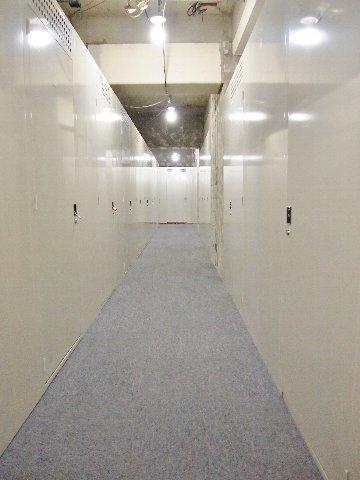 エヌピートランク府中(共用廊下)