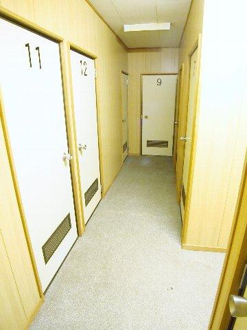 エヌピートランク野火止Ⅲ(2階共用廊下)