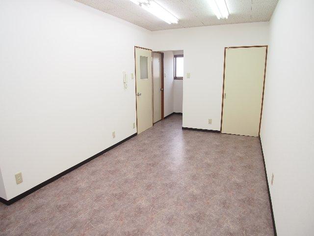 残堀ビジネスプラザ(2階事務所部分)