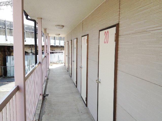 エヌピートランク下安松(2階外観)