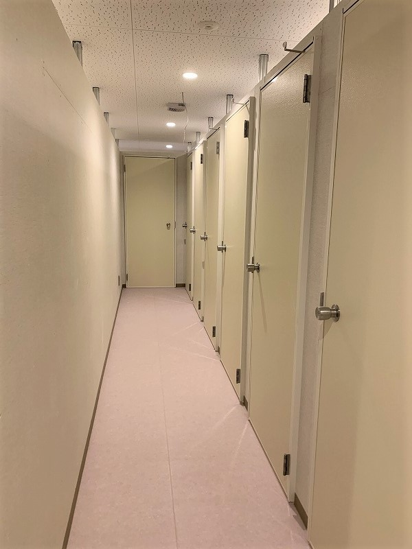 エヌピートランク調布市国領町(共用廊下)